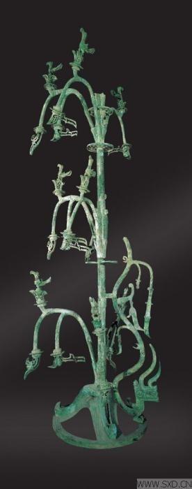 青铜神树。来源:三星堆博物馆网站