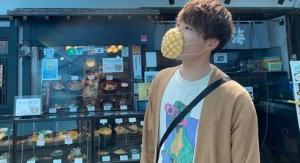 你买吗?日本推出菠萝包口罩,能吃的那种!