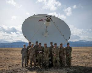 美国太空军司令承认美国正在研发太空定向能武器
