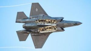 美军战机需重新重视速度 即使牺牲一些隐身能力