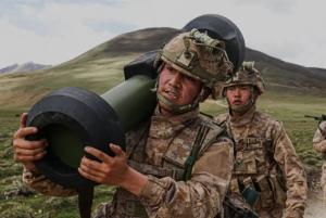 """西藏军区红箭-12反坦克导弹首次曝光!中国版""""标枪"""""""