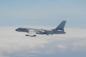 解放军军机25日进入台湾西南空域,本月累计13天