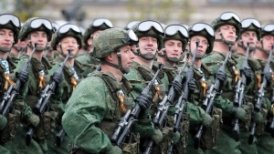 俄媒曝光未来三年国防预算草案:占GDP的2.5%左右