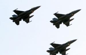 """台空军应对大陆军机举行""""天龙""""演习,遭台媒嘲讽"""
