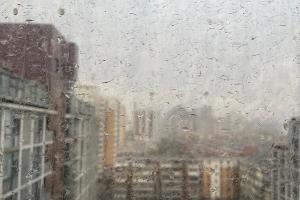 """北京迎大风沙尘天气 """"泥雨""""雷电齐现身"""