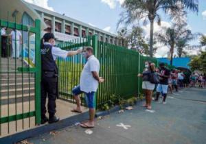 巴西小镇实验全体接种中国科兴疫苗 结果令人振奋