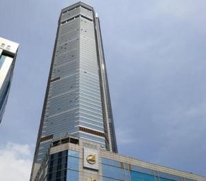 深圳赛格大楼发生摇晃 官方通报:未见地面开裂
