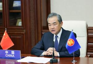王毅:个别域外国家已成为南海和平稳定的搅局者