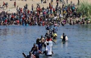 美墨边境移民潮涌