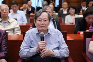 """杨振宁百岁演讲:稼先,我懂你""""共同途""""的意思"""