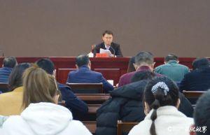 淄博高新区工委副书记、组织人事部部长吕红星参加总支生活会并给党员讲党课