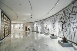 """美林的世界真奇妙——著名艺术家韩美林""""天·地·人·和""""艺术展及生肖艺术展于深圳展出"""