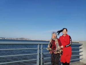 """著名作家李富胜读王艳芳""""中国一日""""日记《给我爱的人多一点仪式感》有感"""