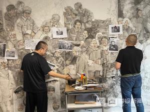60多个人物、10多个故事再现感人事迹——探访著名画家张宜、华杰巨幅绘画《胶东乳娘》创作现场