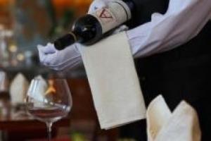 米其林餐廳開瓶費一瓶200元 霸王條款為何還盛行?