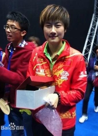 31岁乒乓球名将丁宁宣布退役 正式成为北大学生