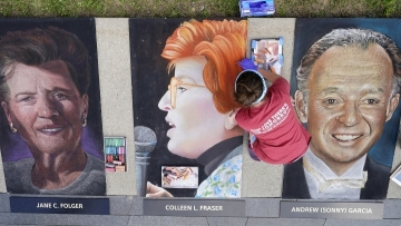 Artists honor9/11 victims with memorial portraits
