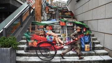 Hong Kong-themed 3D art exhibition amuses visitors in Chongqing