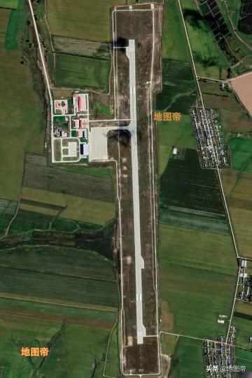 航拍五大连池德都机场,坐飞机去看AAAAA级景区