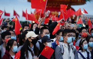 13万人天安门广场观升旗