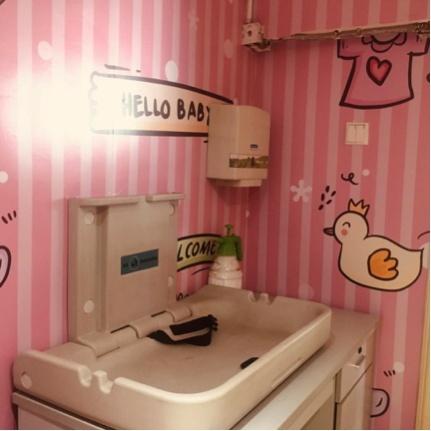 整体显得更加温馨 广州南汽车站对母婴室环境进行升级改造