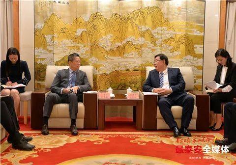 泰安市领导会见韩国驻青岛总领事馆总领事金敬翰一行