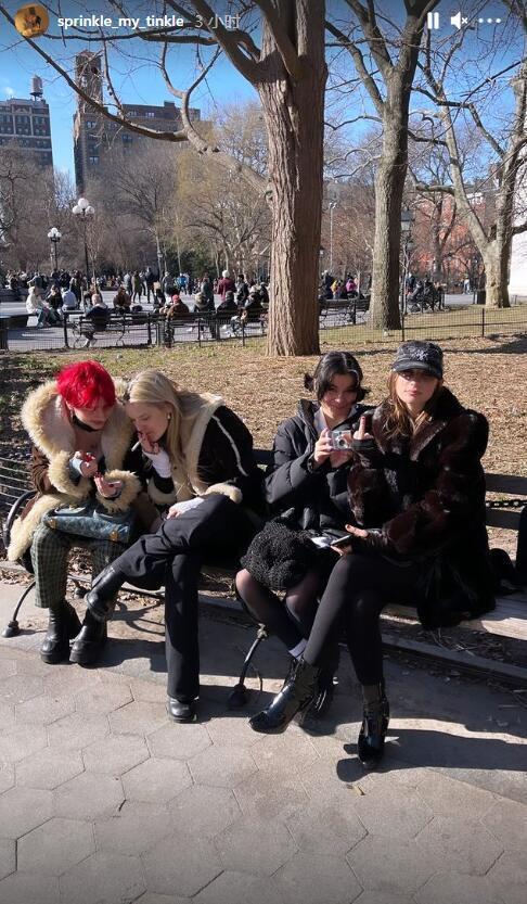 伊能静儿子约四位美女出游 抽烟染红发太会玩