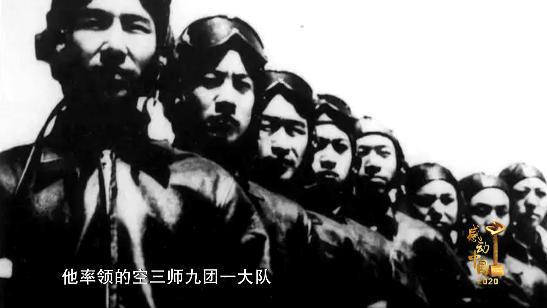 感动中国丨抗美援朝一等功臣王海上将获颁感动中国年度人物