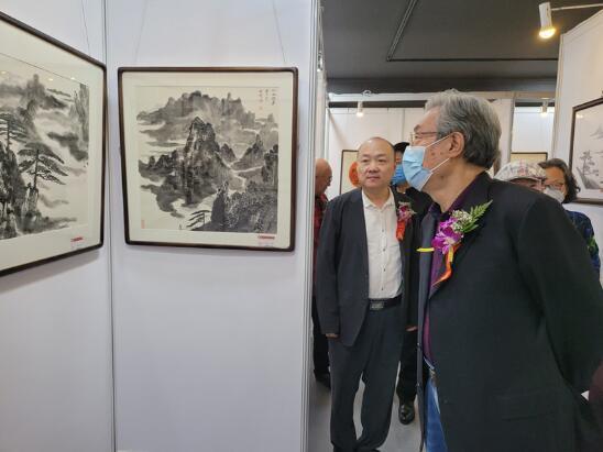 大美黄山——贾宝明艺术画展在工美大厦正式举办