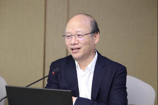 中国社会科学院生态文明研究所党委书记杨开忠教授为西藏基层干部赴京学习班授课。