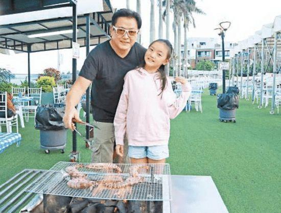 魏骏杰自爆曾患抑郁症想自杀 或陪女儿到北京上学