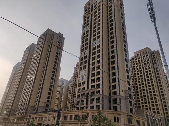 郑州鑫苑国际新城刚交房就漏水,物业未经业主同意私自维修焊接