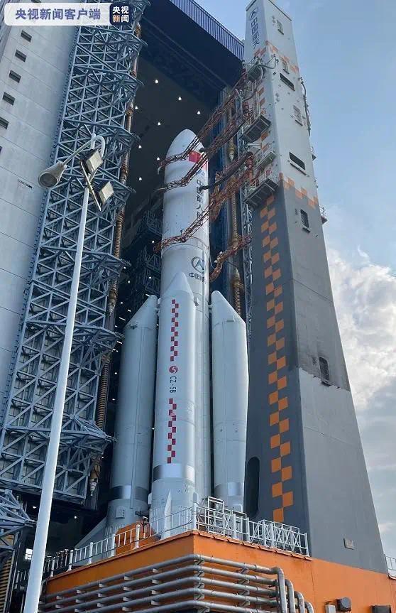 中国空间站核心舱发射进入倒计时!天和核心舱器箭组合体转运至发射区