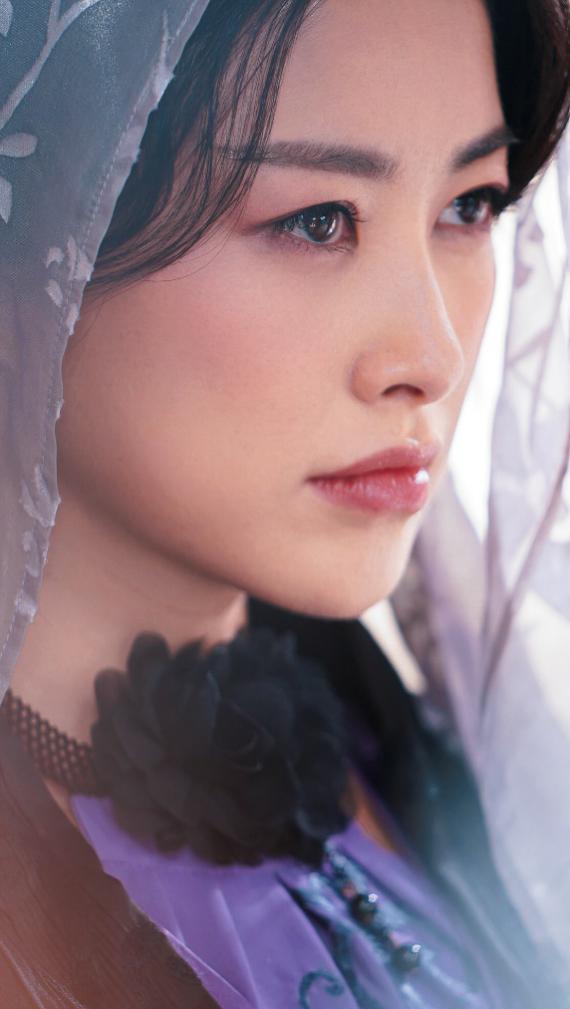 《天龙八部》《乔家的儿女》开播 朱珠强反差演绎