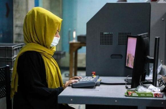 塔利班高层人员称 阿富汗女性不能和男性一起工作