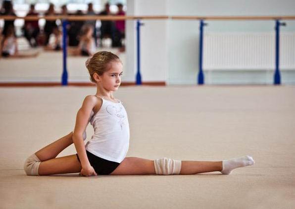 颜值逆天的俄罗斯9岁女孩 这是小仙女吧!