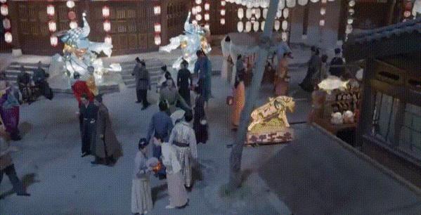 古装剧里的街市。来源/电视剧《锦心似玉》截图