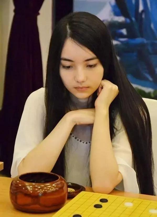 围棋界天才美少女 论颜值她真没怕过谁!