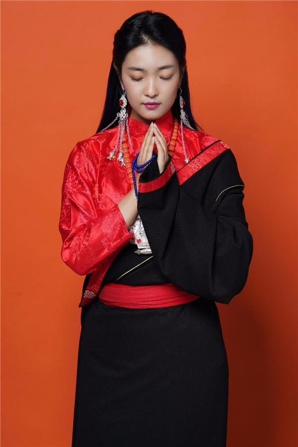 《神秘的西藏》唱出雅鲁藏布江的唯美 歌手德德在乐坛崭露头角