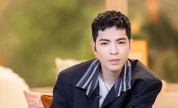 萧敬腾因17岁原创歌曲结缘恋爱综艺《怦然心动20岁》