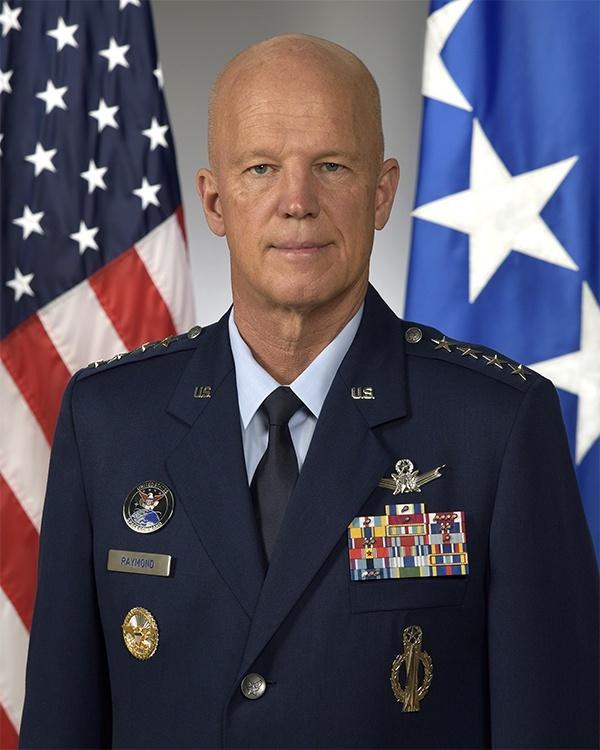 美军太空作战部长雷蒙德,是太空军最高级别军官 图自:美国国防部