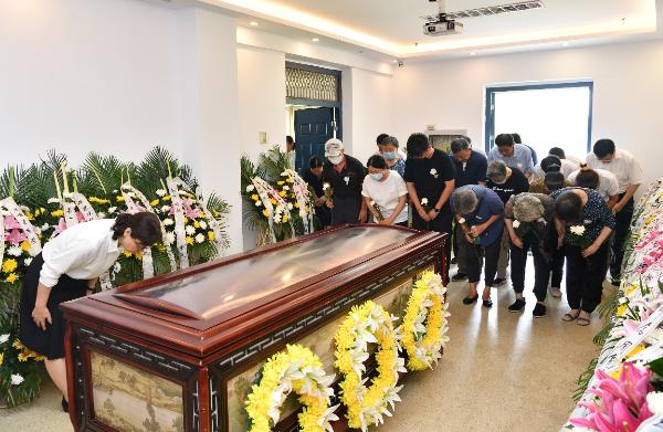98岁法医去世,他将遗体捐献给母校