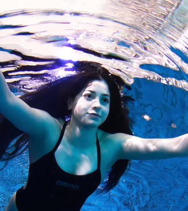 这位难民代表团的游泳小将曾救下20条人命