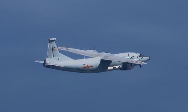 台媒:解放军一架运8技侦机进入台西南空域