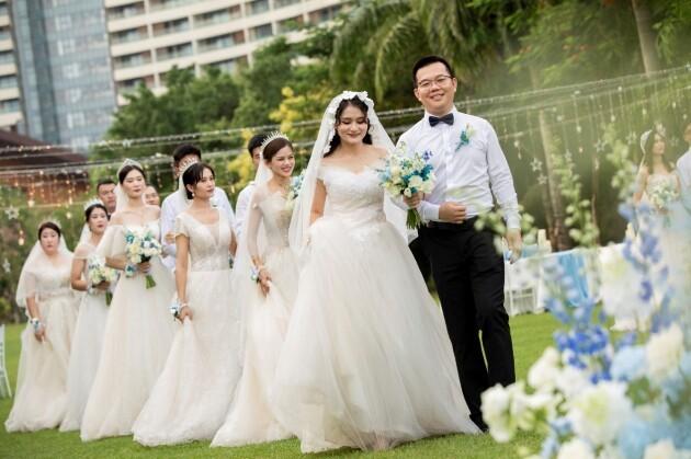为职工办实事!13对中建八局建设者在三亚举办集体婚礼!