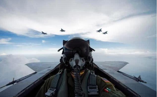 美飞行员闹兵荒,美国空军满编率仅为73%