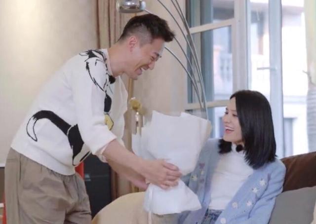 林峯否认与张馨月奉子成婚:我们绝对是真爱!