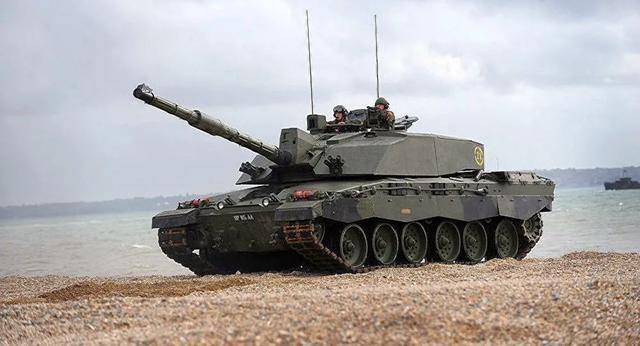 """英国陆军""""挑战者2""""主战坦克"""