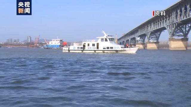 """渔民上岸 江豚""""回家"""" 从""""微笑精灵""""看长江生态兴衰"""