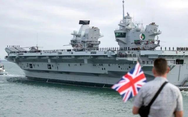 航母还没来南海 英国人先心虚了